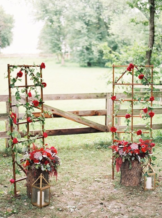 red wedding ceremony flowers