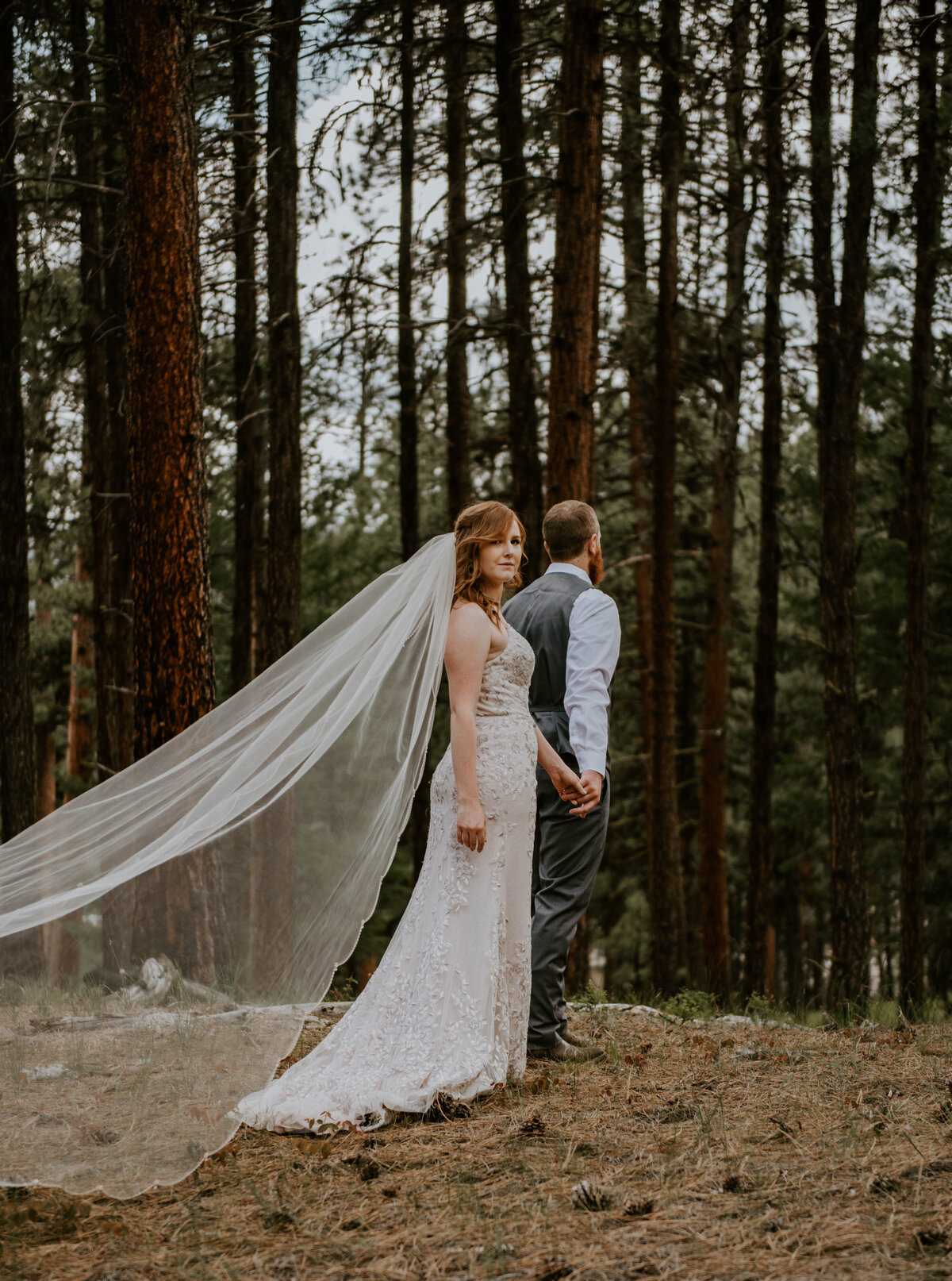 ochoco-forest-central-oregon-elopement-pnw-woods-wedding-covid-bend-photographer-inspiration1705