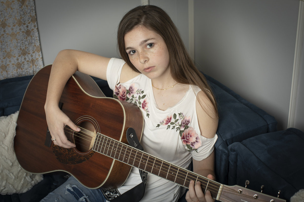 teen_photographer_perry_georgia_jlfarmer_guitar4