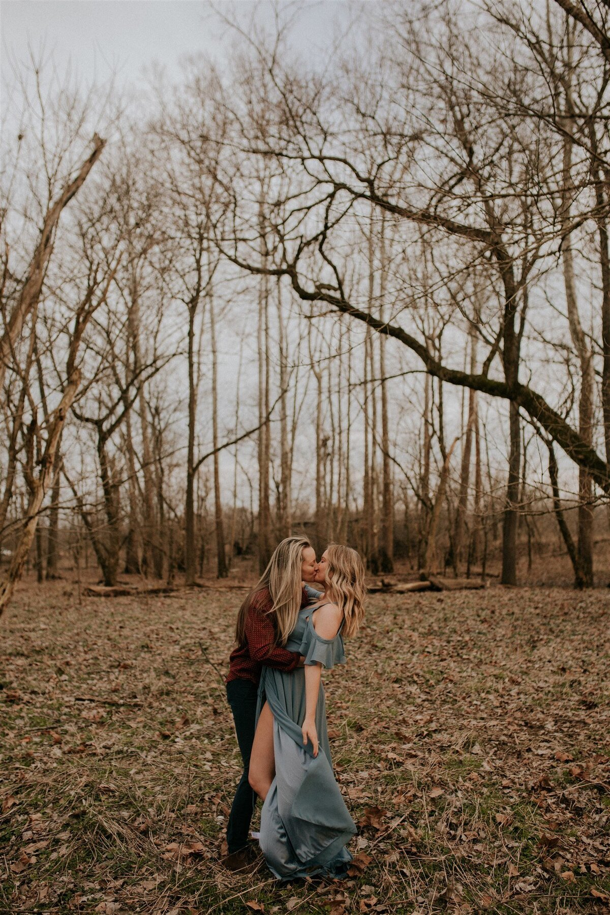 Brizzy-Rose-and-Emma-Floyds-Fork-Louisville-Couples-Session-9