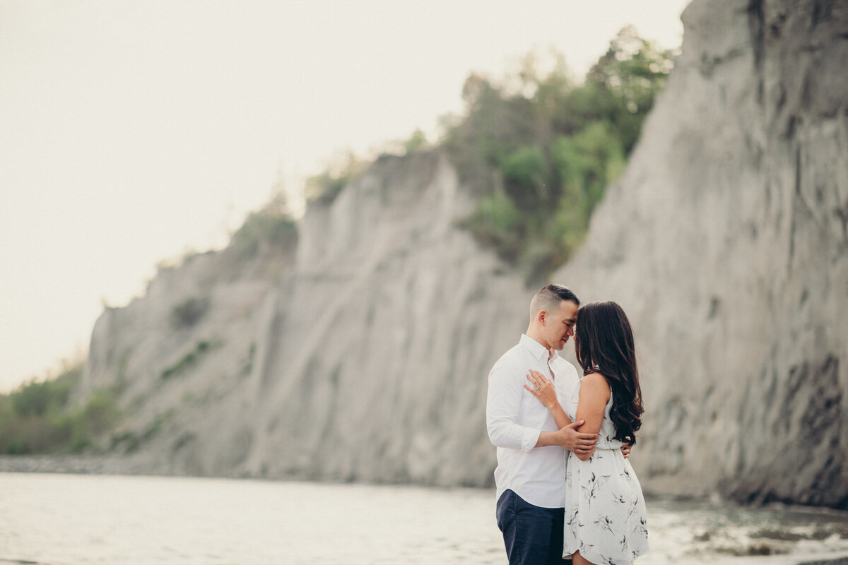 scarborough-bluffs-engagement-shoot-toronto