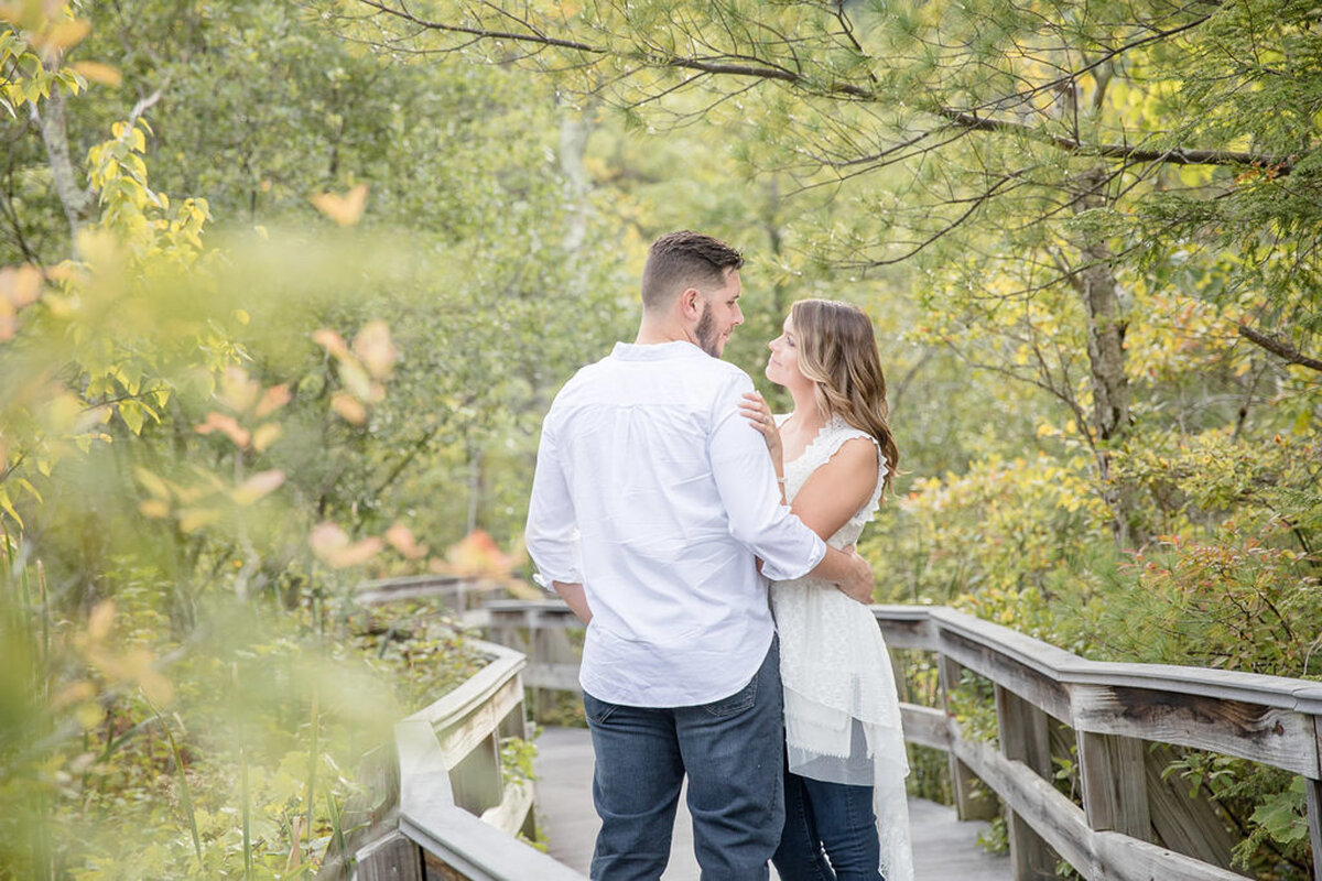 Rachel-Elise-Photography-Syracuse-New-York-Engagement-Shoot-Labrador-Hallow-5