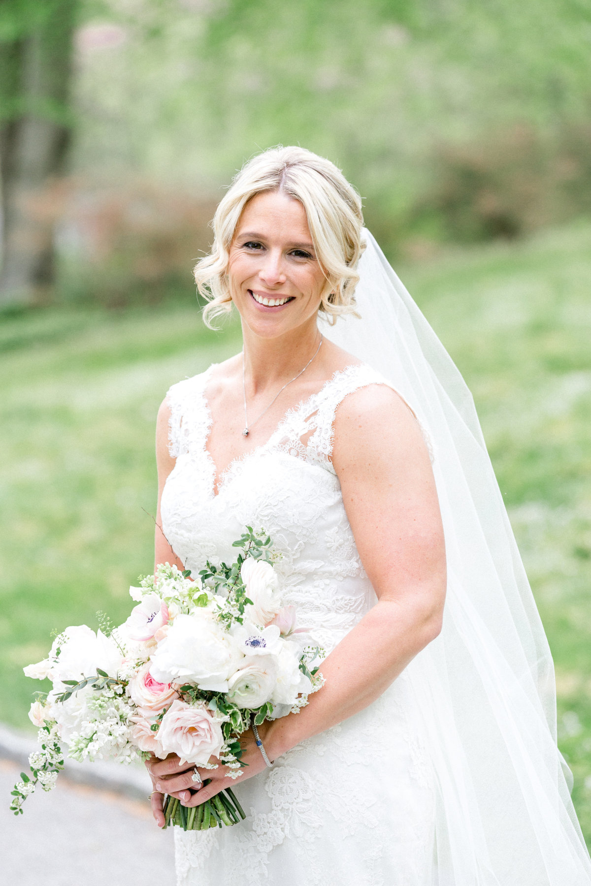 Wintherthur wedding spring bride Delaware florist
