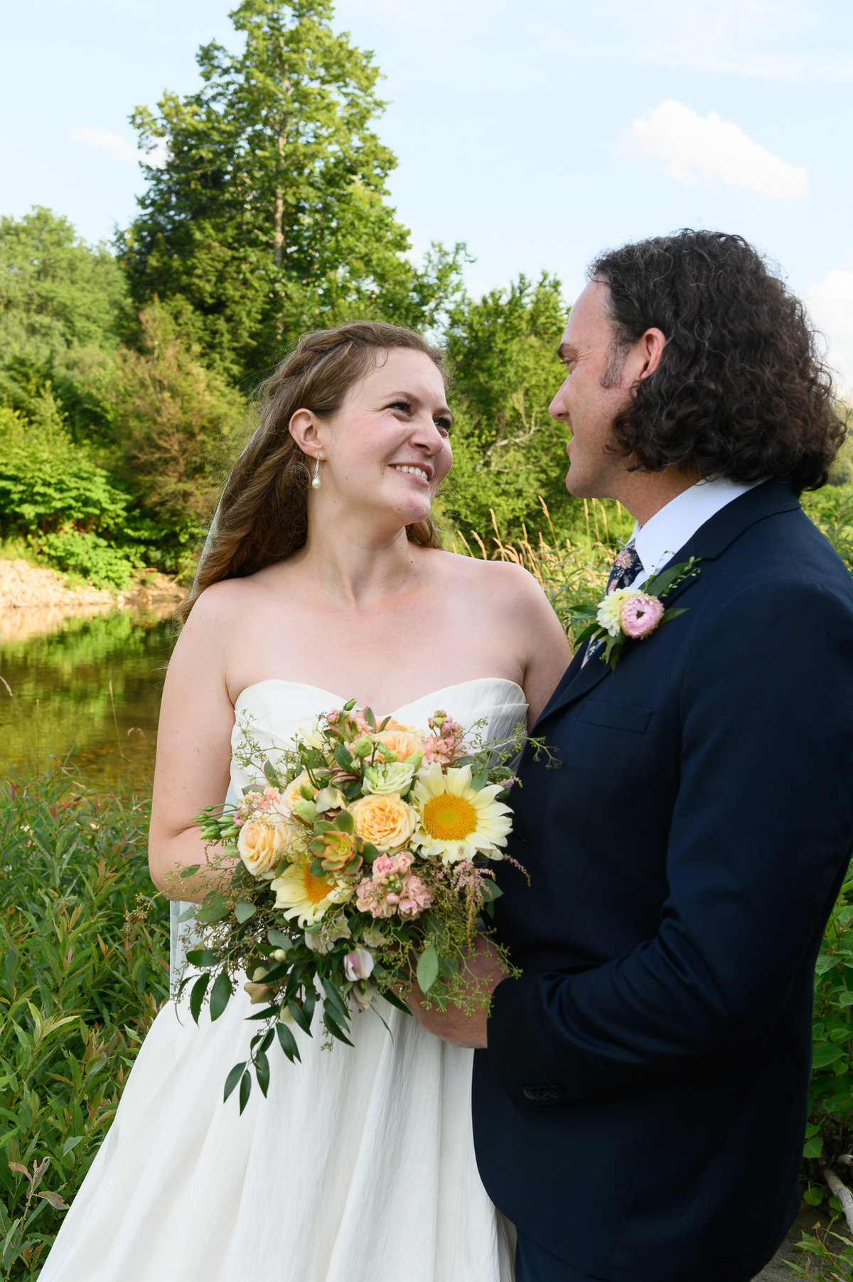 real and natural wedding photos in Vermont that are not staged