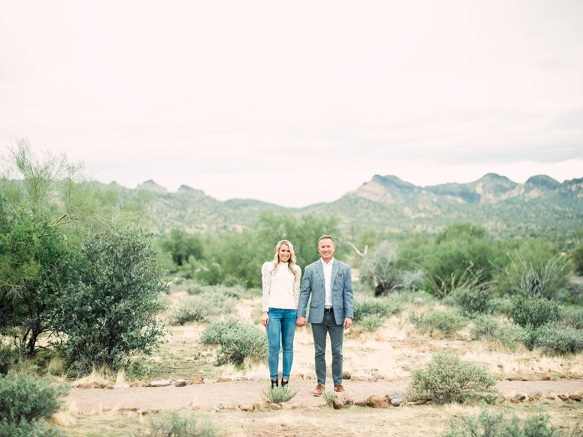 scottsdale-arizona-wedding-photographer-engagement-desert_0022