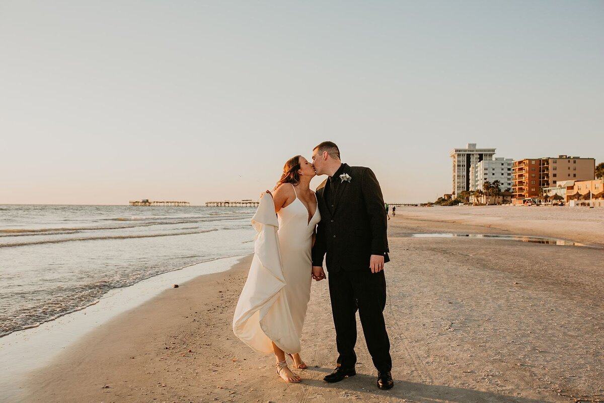 Double Tree North Redington Beach Florida-Wedding-Brittany and Bruce485