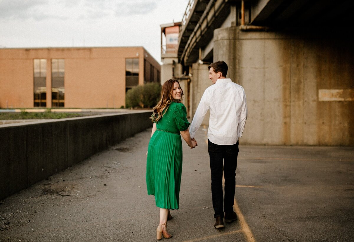 meg-thompson-photography-promenade-park-downtown-fort-wayne-engagement-session-megan-logan-15