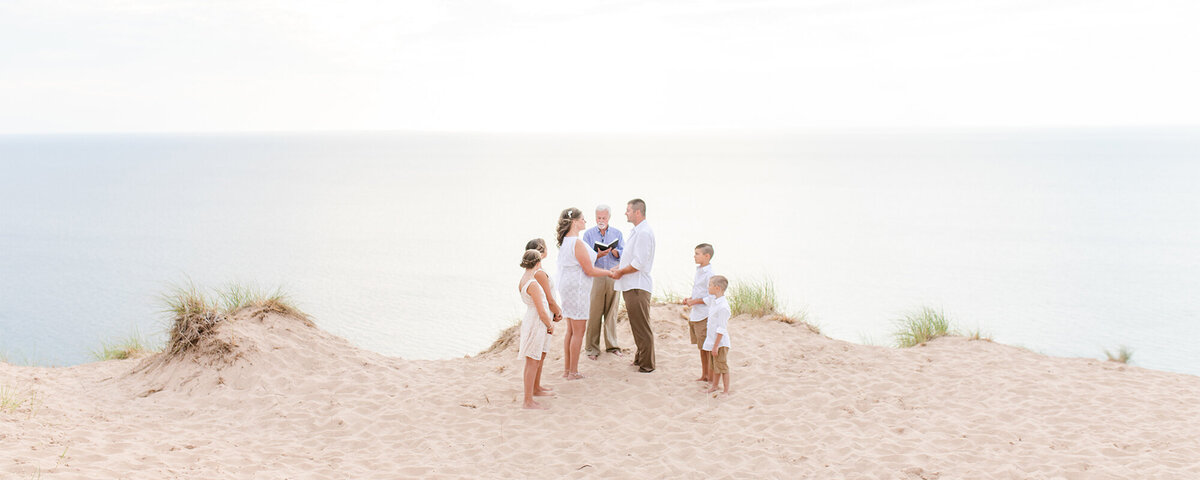 sleeping-bear-dunes-elopement-photographer