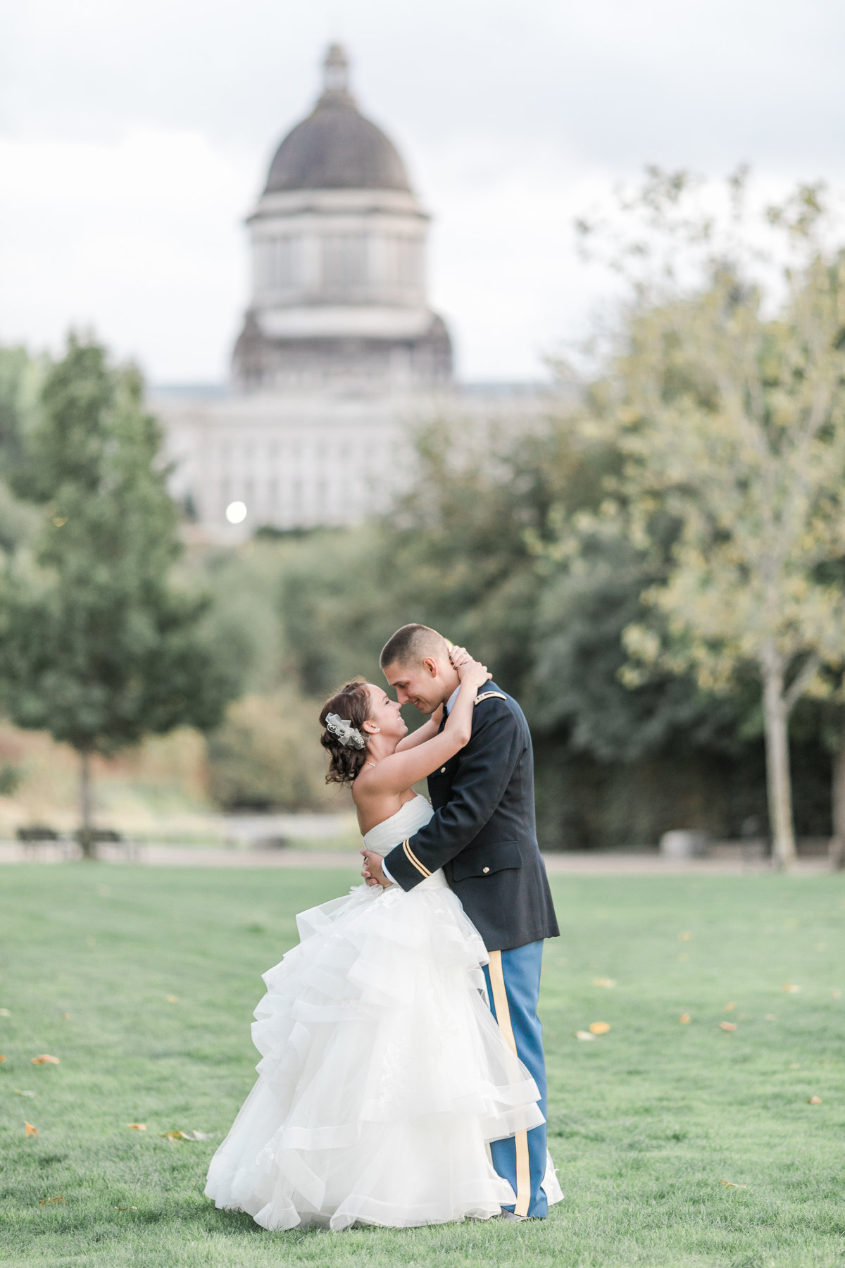 Seattle_Wedding_Photographer_capitol_building_olympia_photos-37