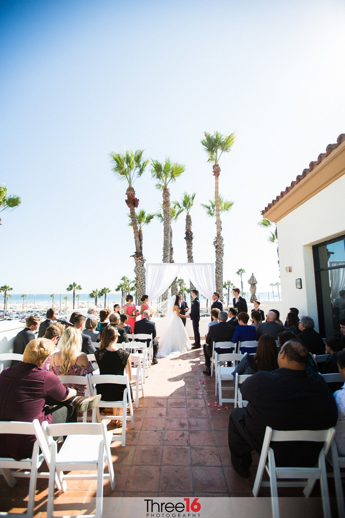 Huntington Beach Weddings The Waterfront Resort Wedding And Social Venue Orange County
