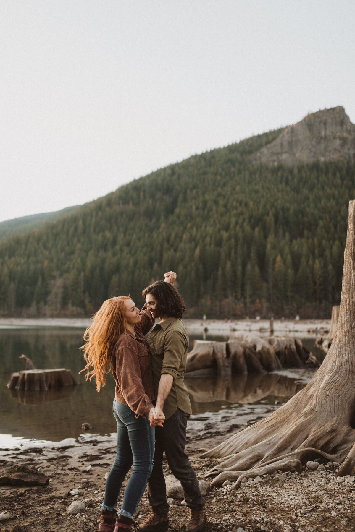 liv_hettinga_photography_seattle_lake_adventure_elopement-79