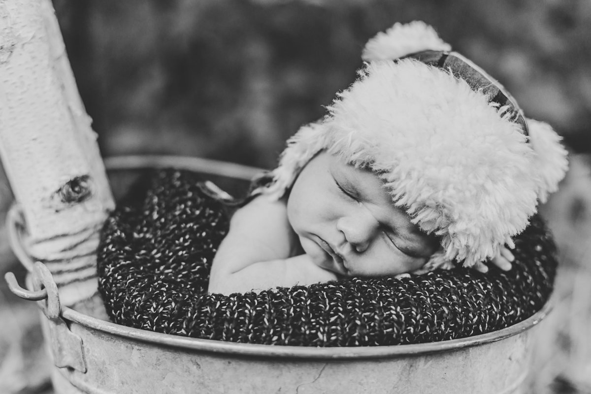 raleigh-in-home-newborn-photographer-wells-5752-2