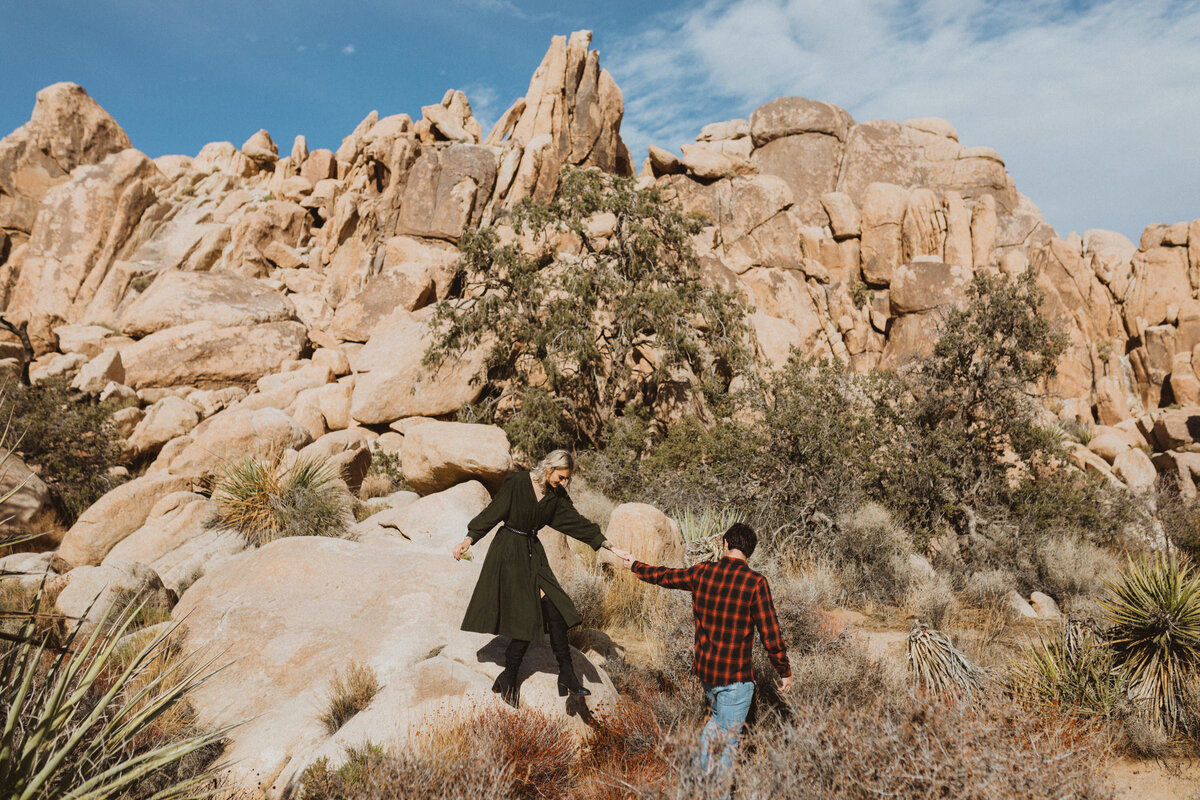 liv_hettinga_photography_joshua_tree_adventure_elopement-7
