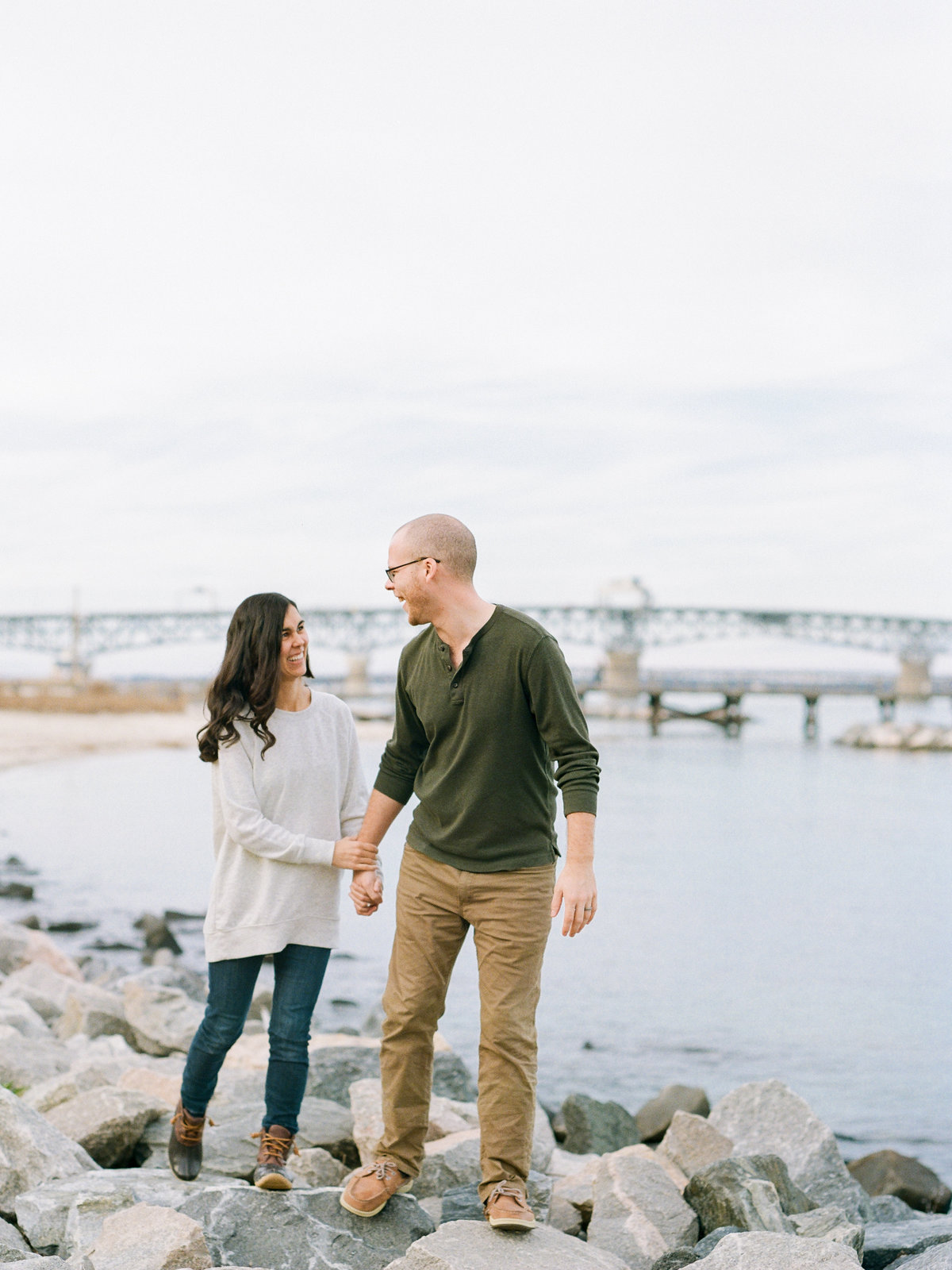 beach-adventure-engagement-photo