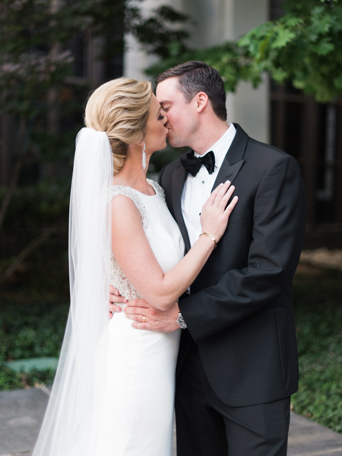 Courtney Hanson Photography - Modern wedding at The Joule-2833