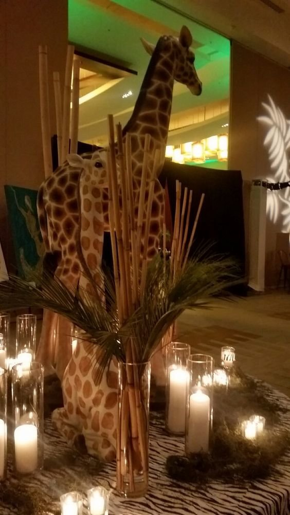 Corporate Decor Giraffe