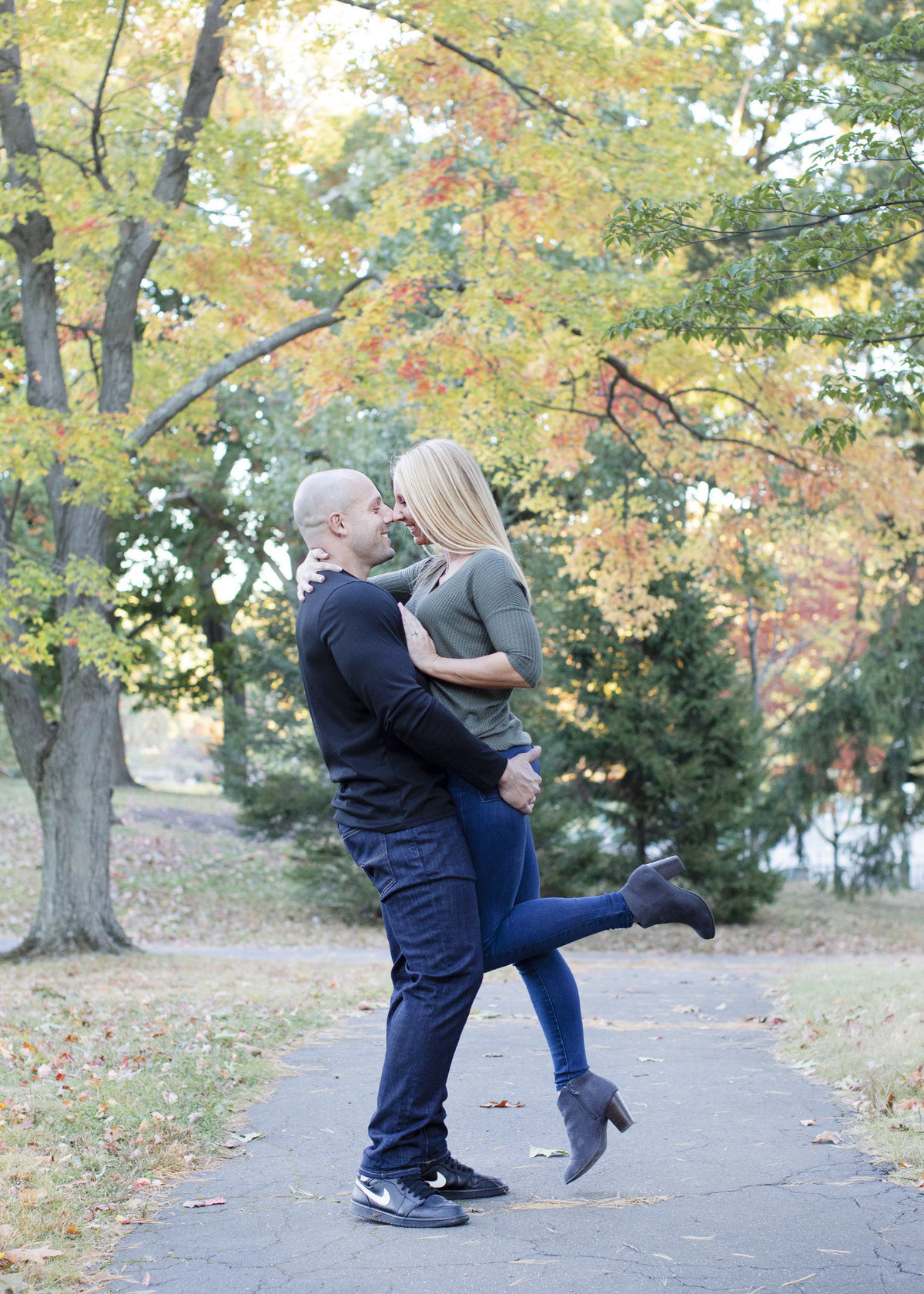 Kristin-Matt-Engagement-Roger-Williams-Park-0119