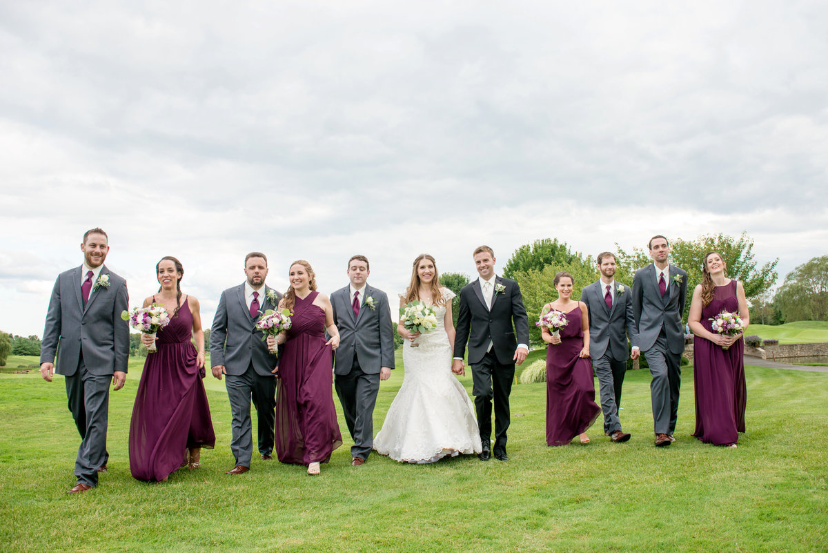 photo of bridal party on the golf course at Willow Creek Golf and Country Club wedding