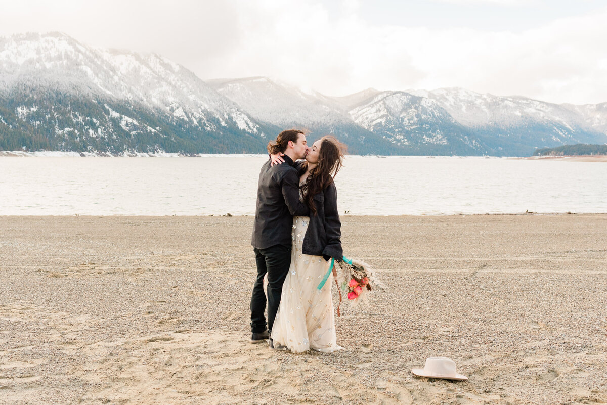 Cle-Elum-Washington-Lake-Elopement-Photographer-Photography-69