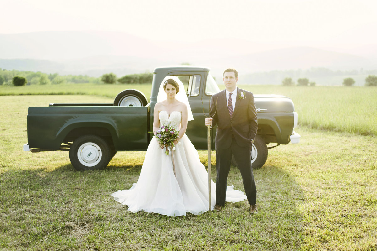 Monica-Relyea-Events-Alicia-King-Photography-Globe-Hill-Ronnybrook-Farm-Hudson-Valley-wedding-shoot-inspiration81