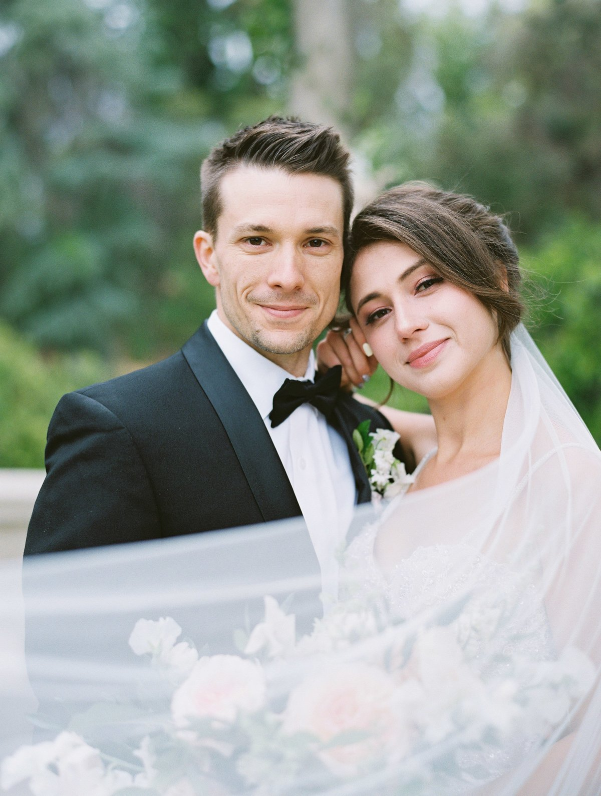 daniel-and-bethany-weddings-long-veil