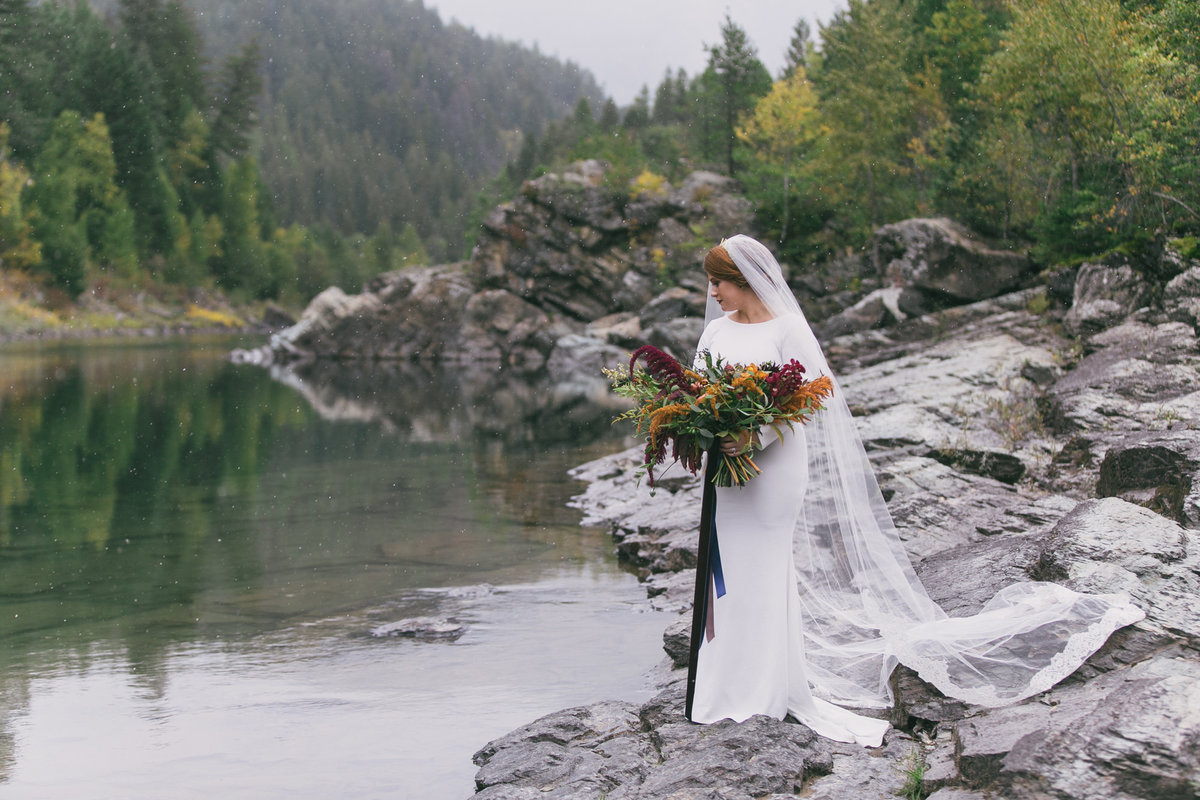 Jennifer_Mooney_Photography_Abbey_Stephen_Fall_Winter_Glacier_Park_Elopement-47