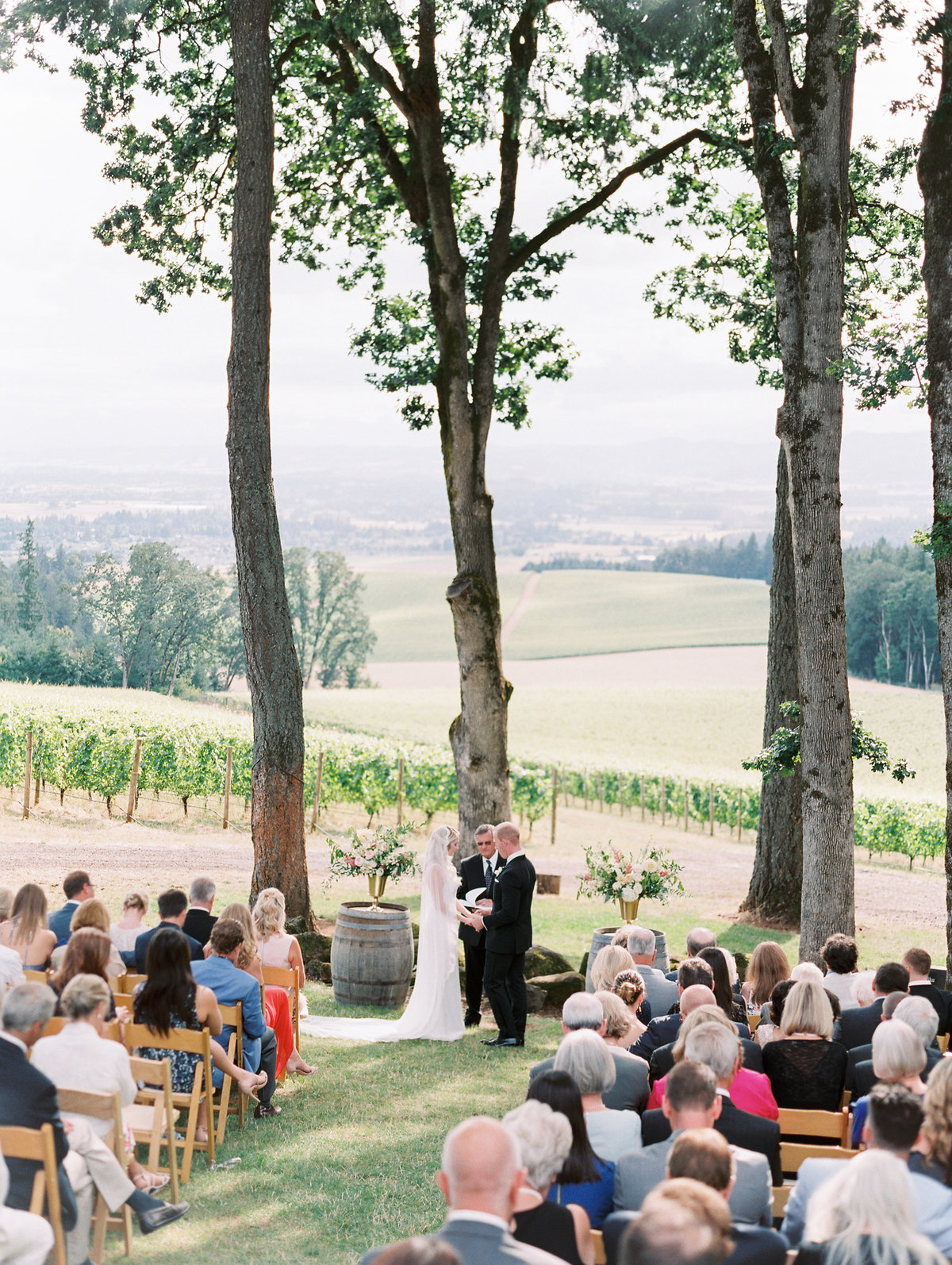 wedding at vista hills vineyard near portland oregon