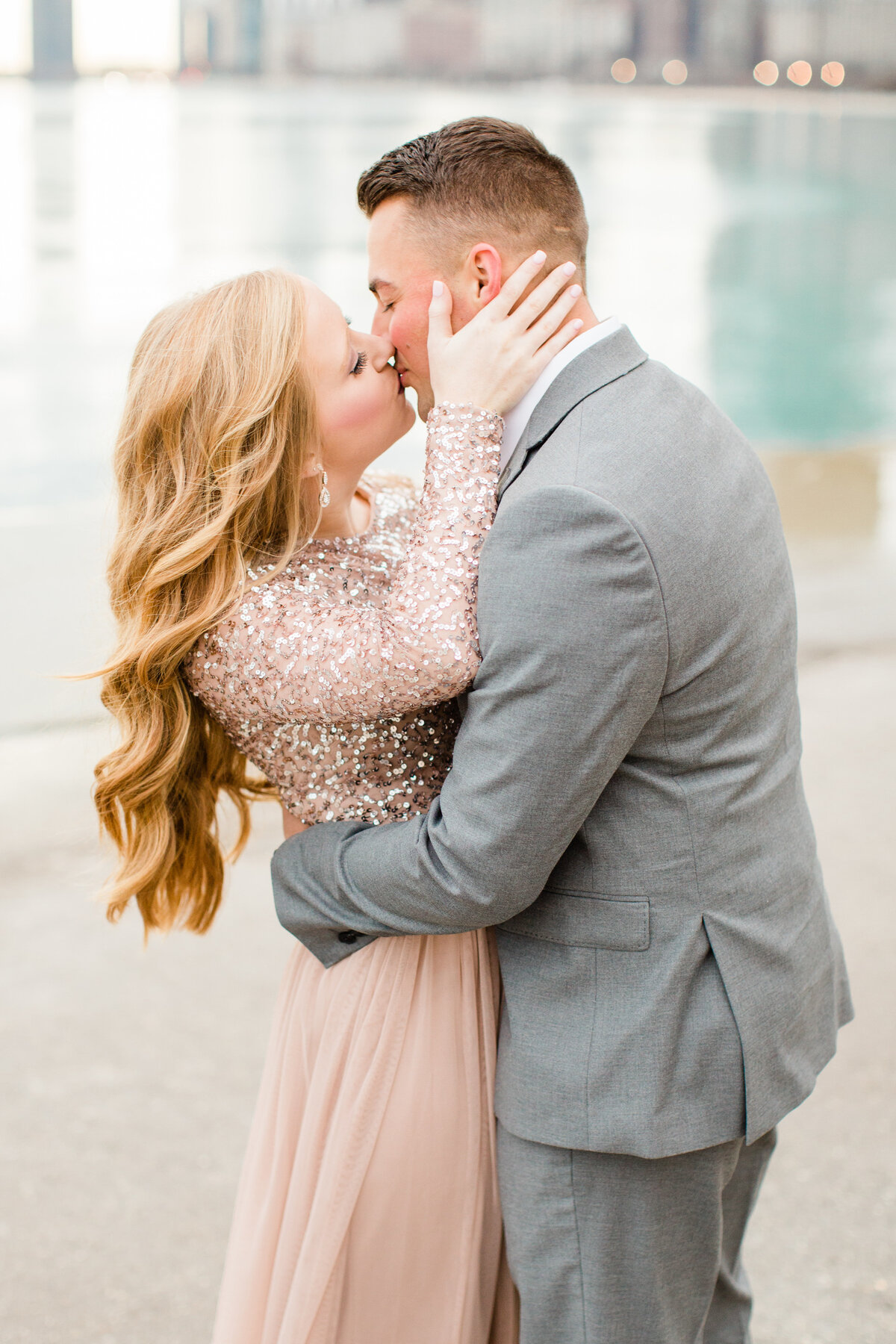 lindsey-taylor-photography-north-avenue-beach-chicago-engagement-photographer7