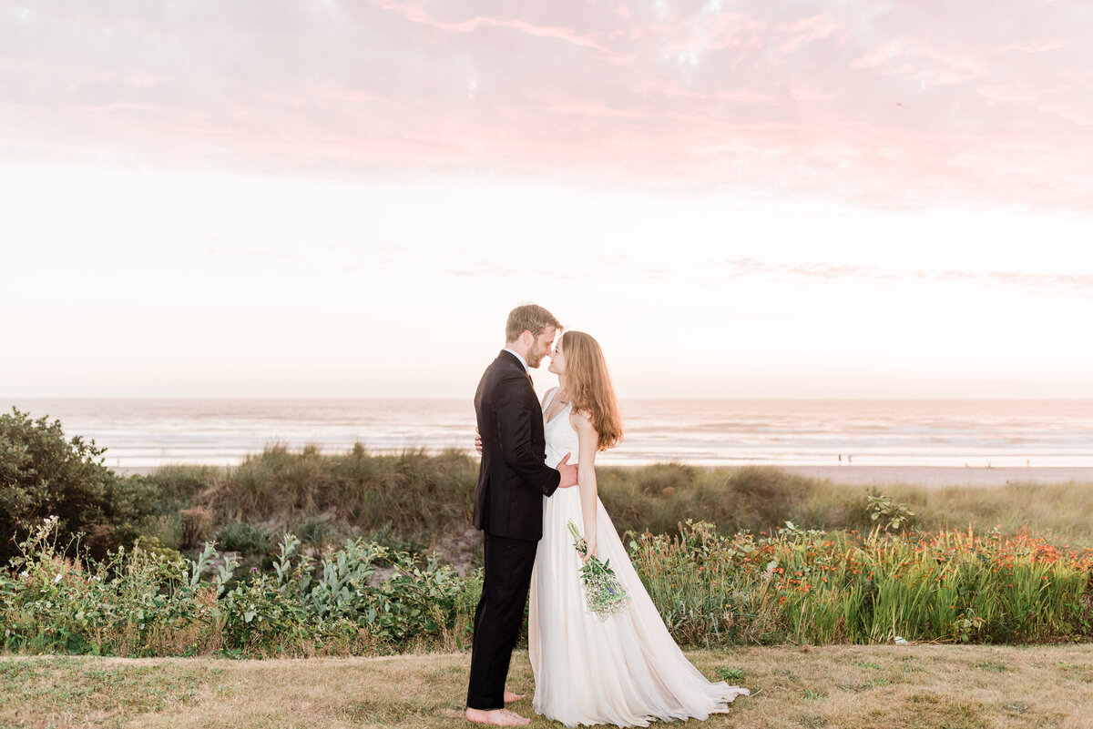 Cannon-Beach-Elopement-Photographer-75