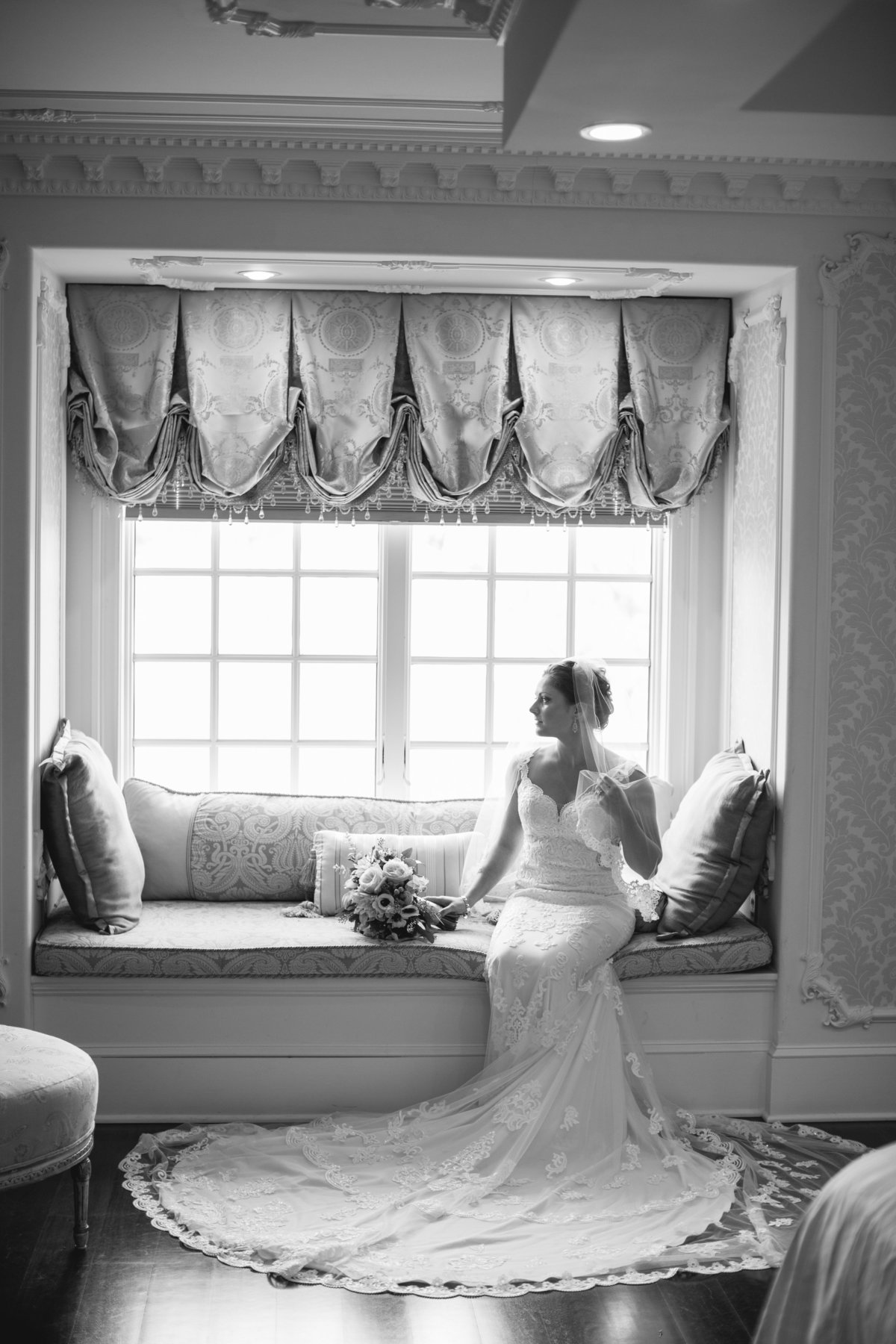 bride in bridal suite at ashford estate wedding