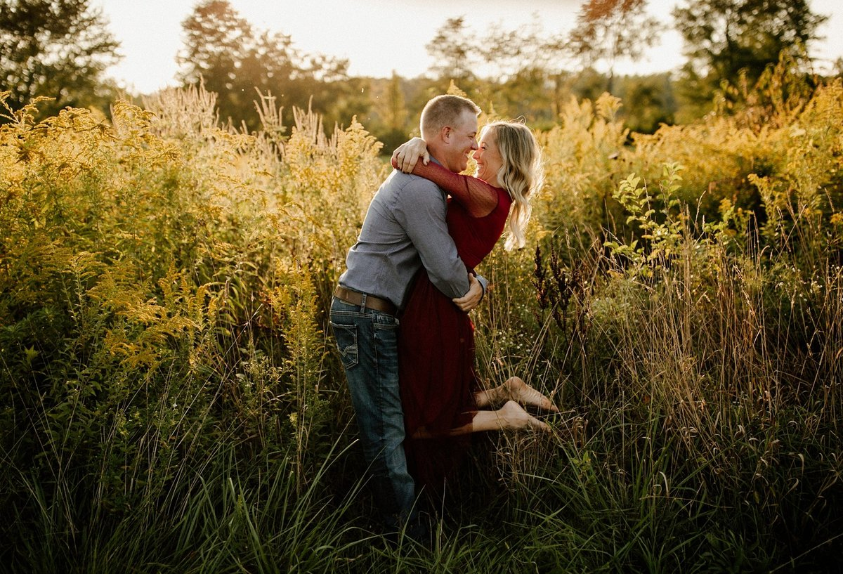 megan-renee-photography-anderson-horse-farm-engagement-session-tabby-john-1