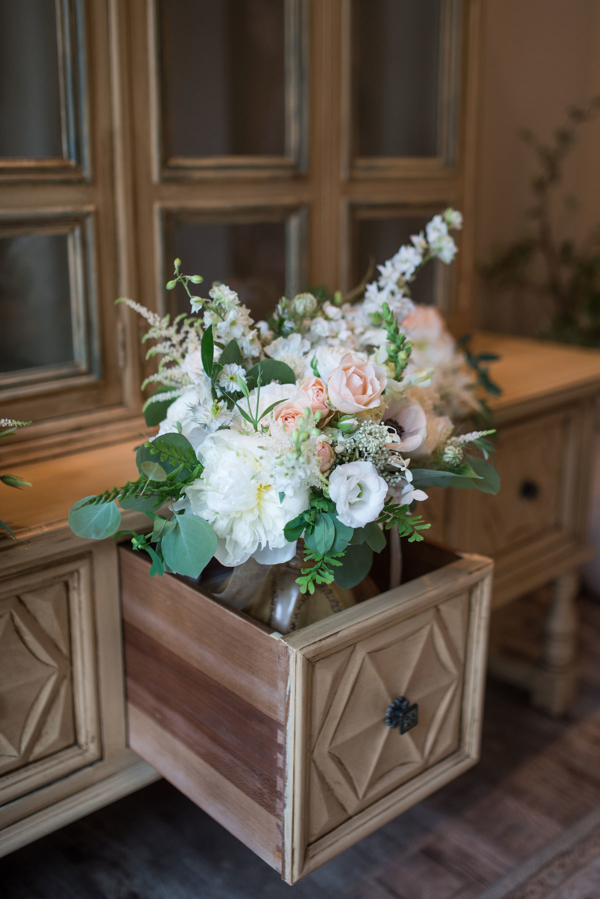 flowers in drawer wedding deocration