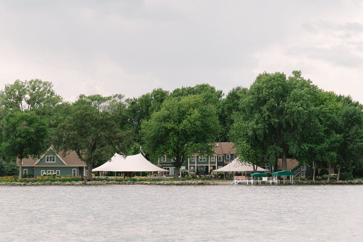 lakeside wedding, tented wedding
