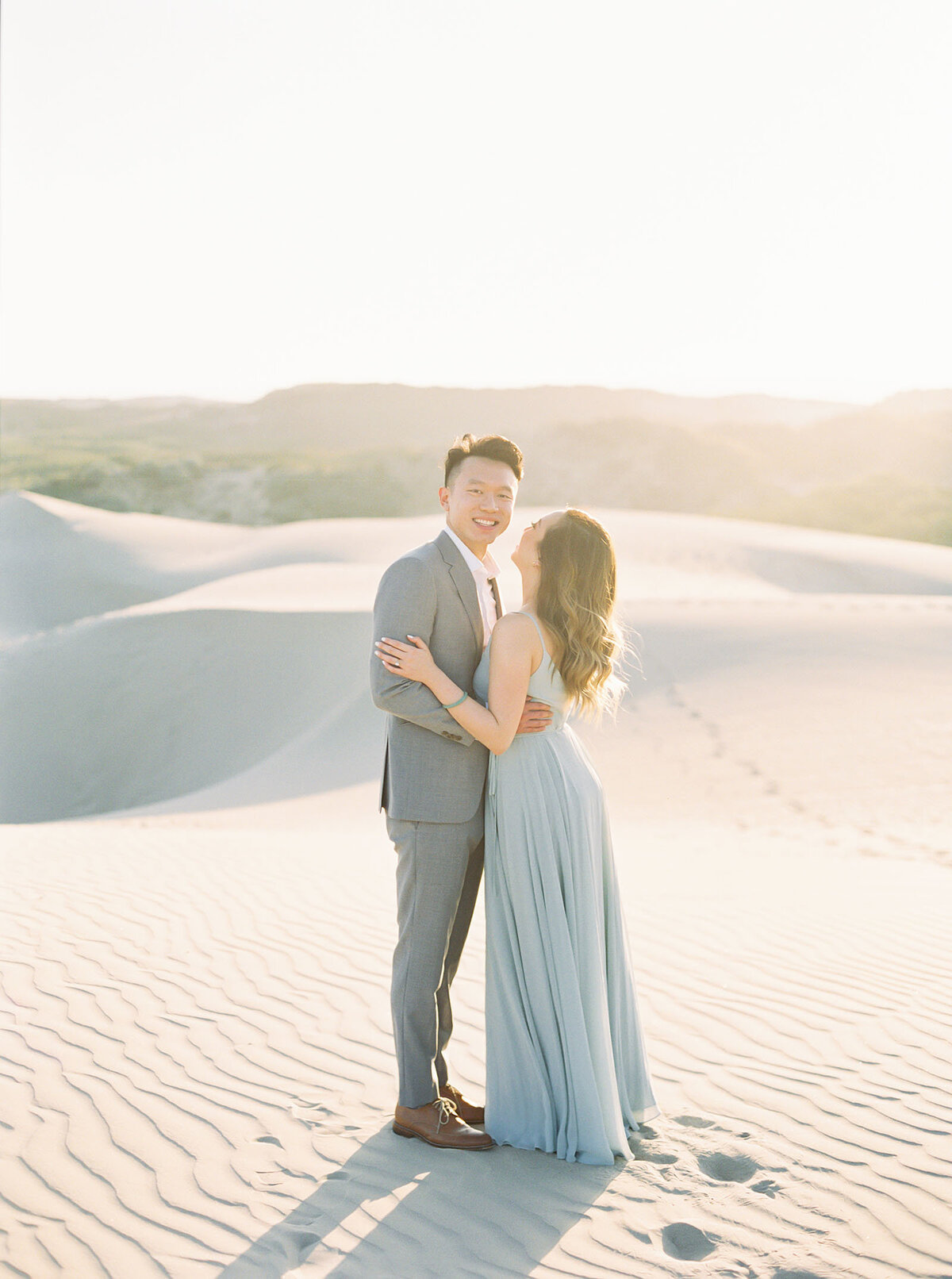 sand-dune-engagement-photos-19