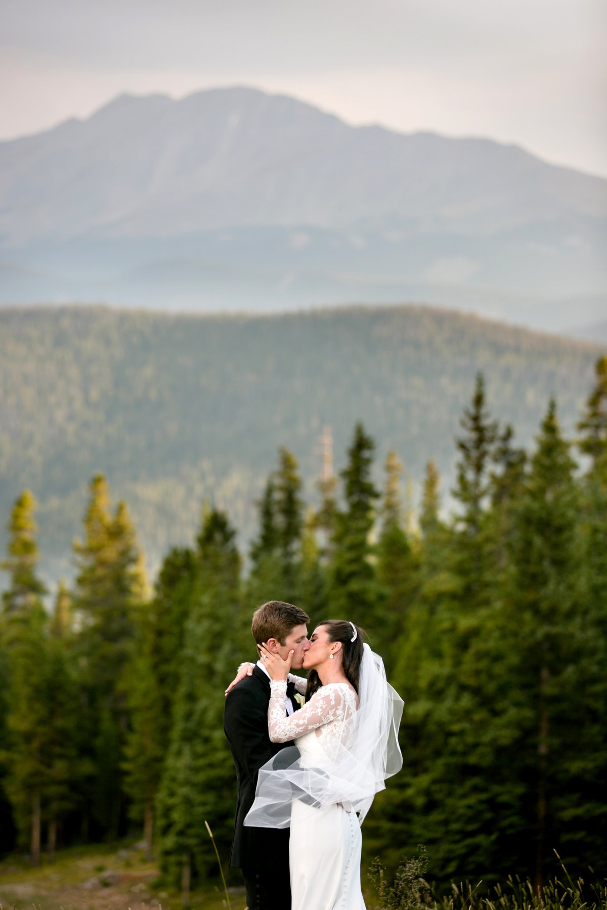 timber-ridge-lodge-colorado-wedding