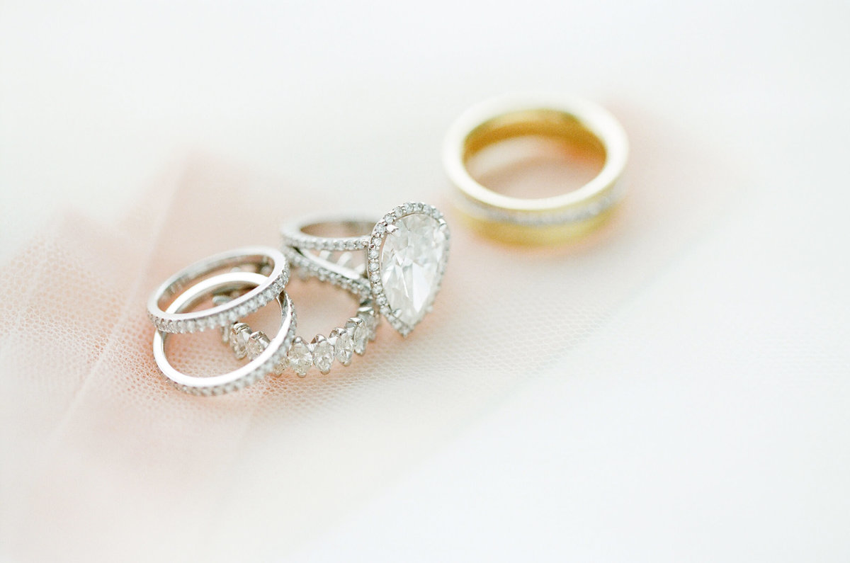 1-KTMerry-wedding-photography-tear-drop-diamond-ring