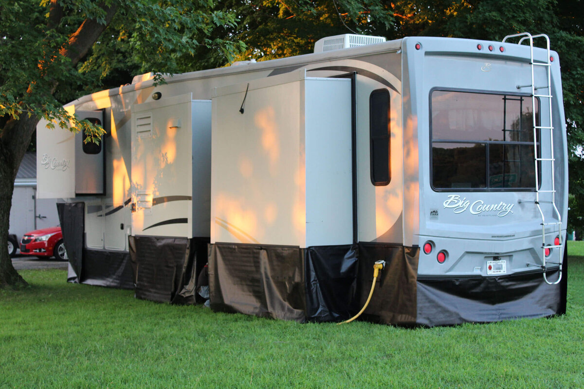 RV Skirting Pros - Qwikskirt - 5th Wheel