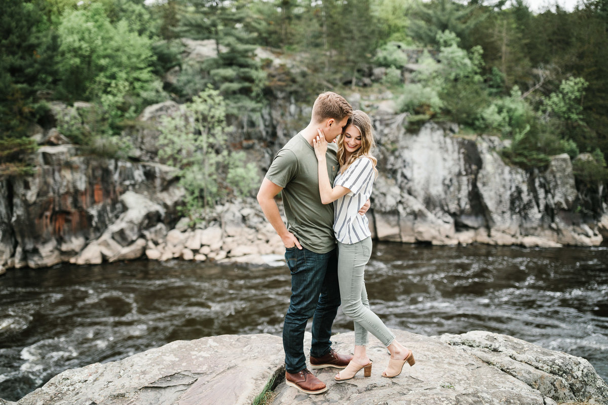 Taylors-Falls-Minneapolis-Spring-Engagement-9