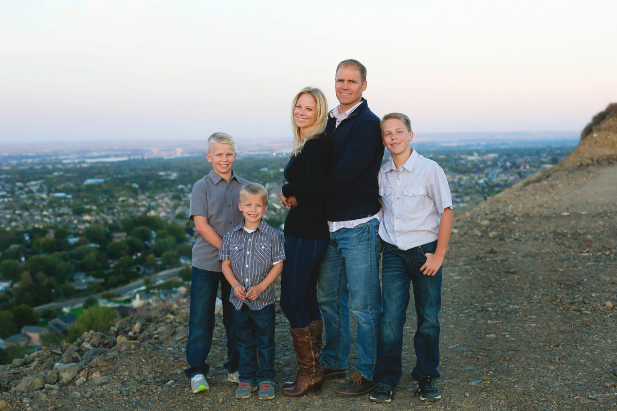 sun-valley-family-photographer-lifestyle-Boise-idaho-treasure-valley-meridian-nampa-eagle-mccall-emmett-mountain-home-photographer-lee-ann-norris065