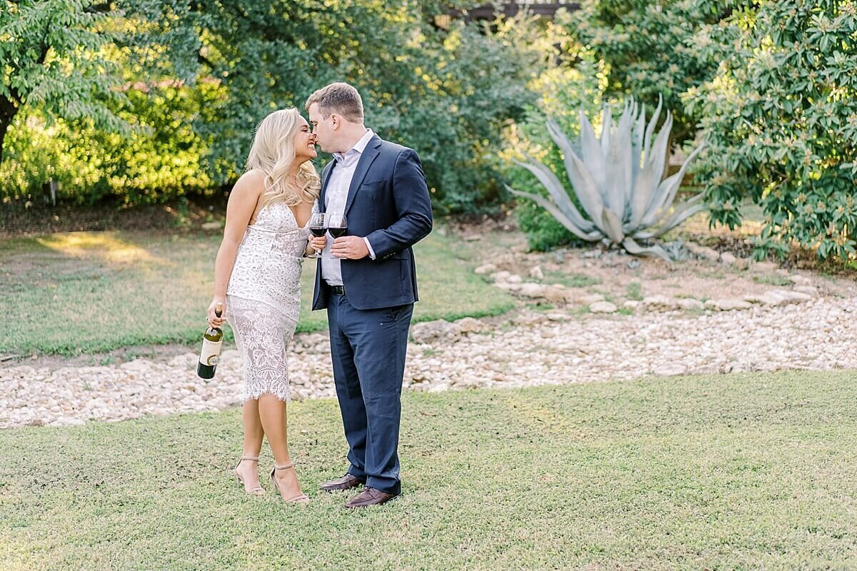 Texas-Hill-Country-Vineyard-Engagement-Portrait-Session-Alicia-Yarrish-Photography_0130