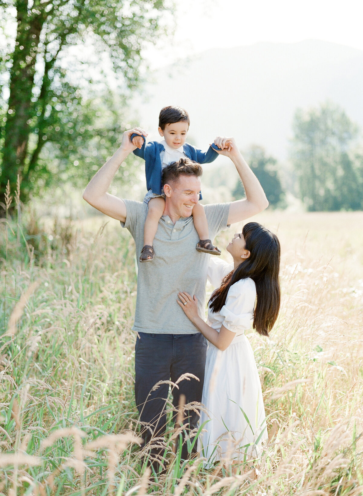Tiffany, Ryan, and Ronan - Family Session - Tetiana Photography-17