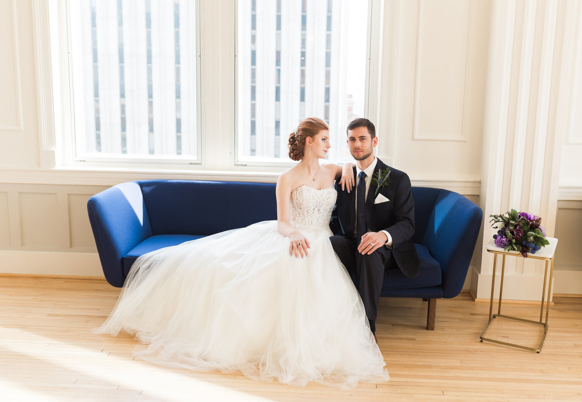 Bride and groom photos in downtown Raleigh