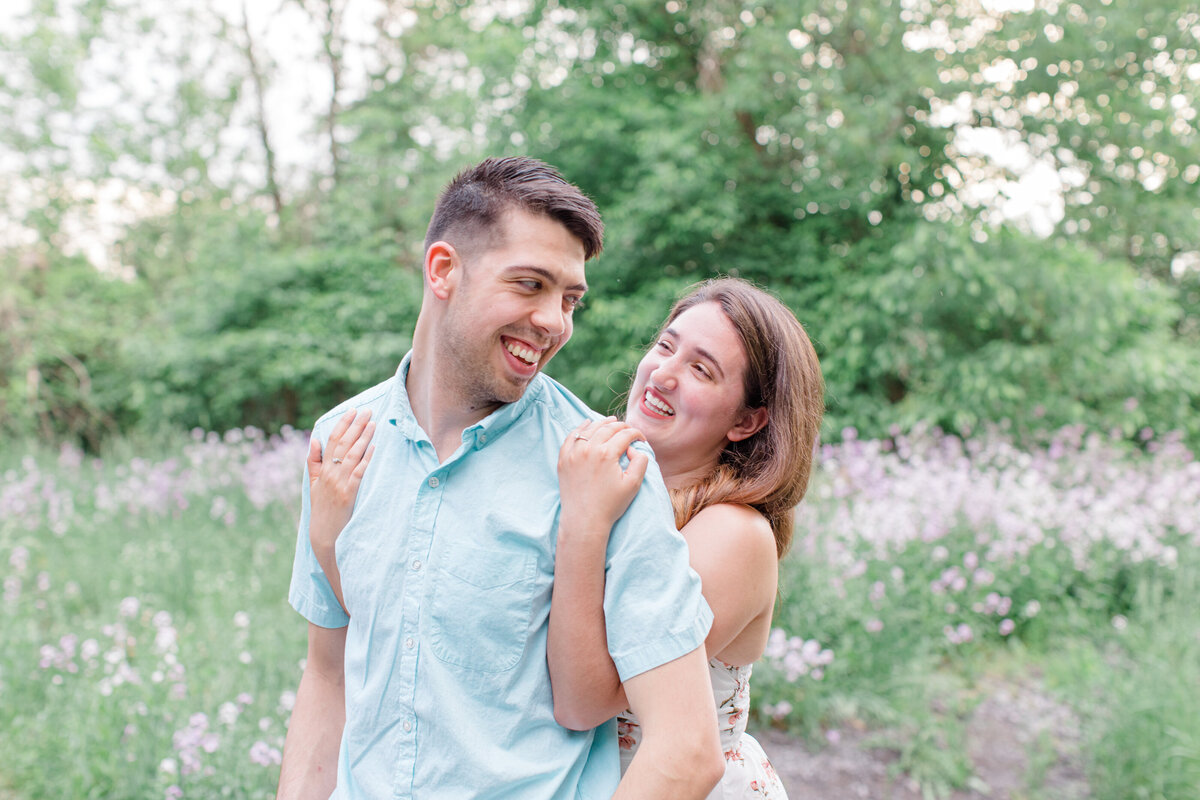 spring-engagement-photos-grey-loft-studio-2020-14