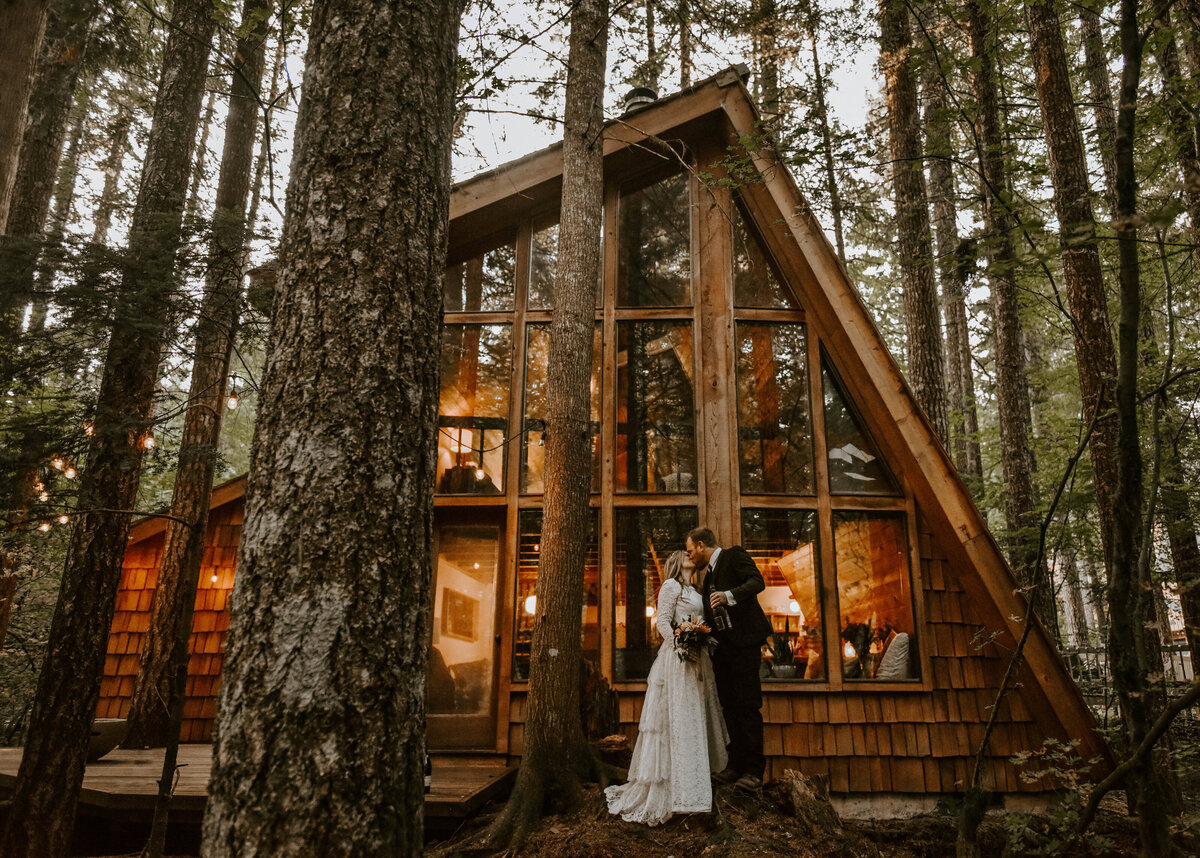 mount-hood-mountain-cabin-woods-elopement-forest-oregon-pnw-wedding-photographer9754