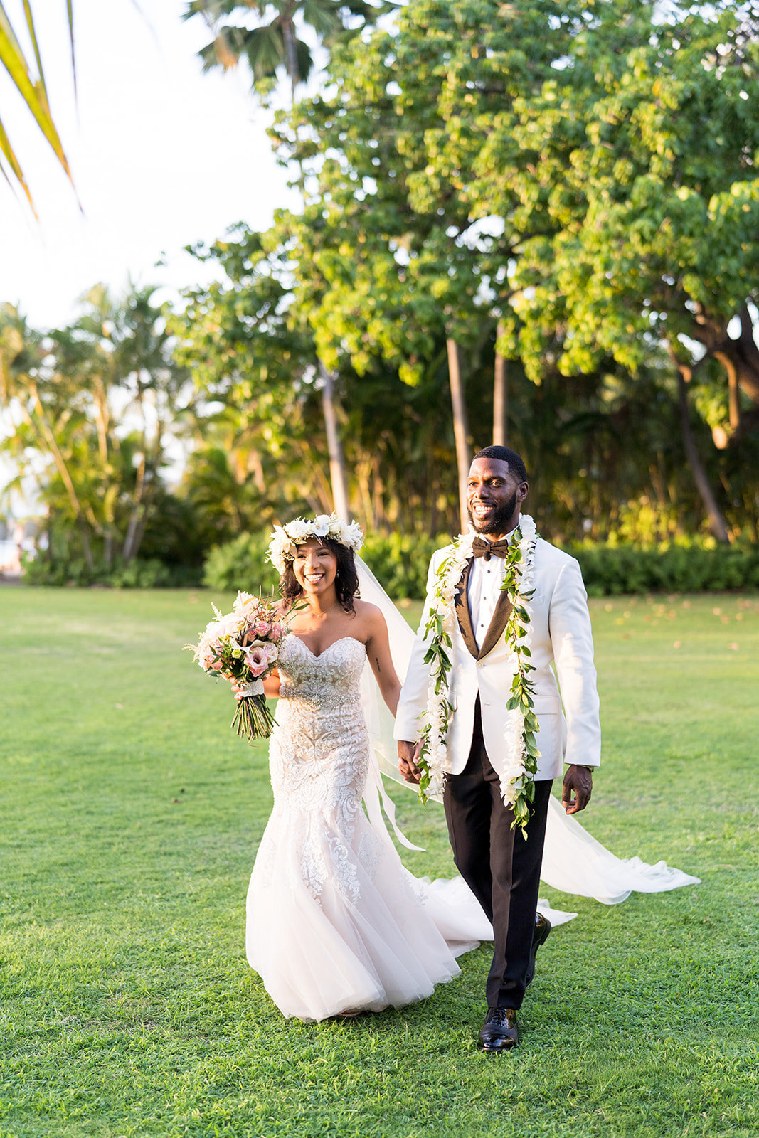 Oahu Hawaii Wedding Photos-11