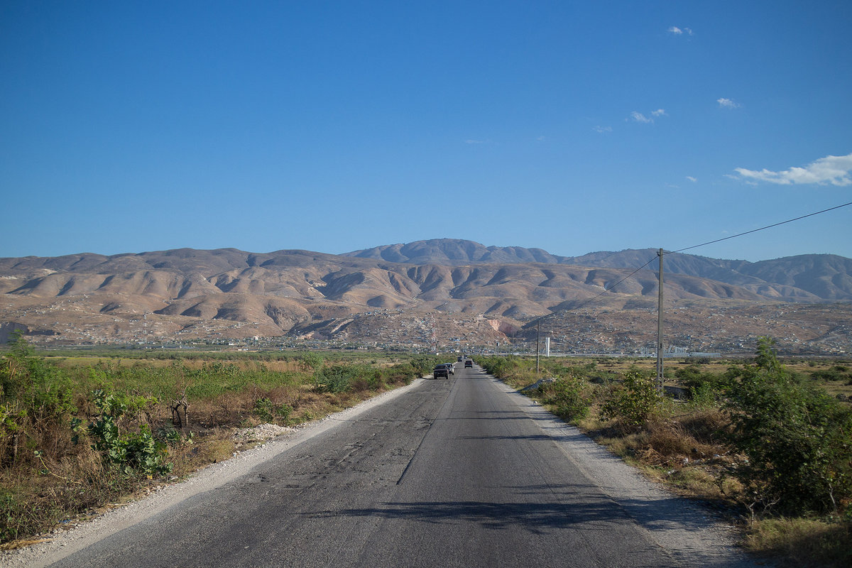 Haitian road  with mountains in view