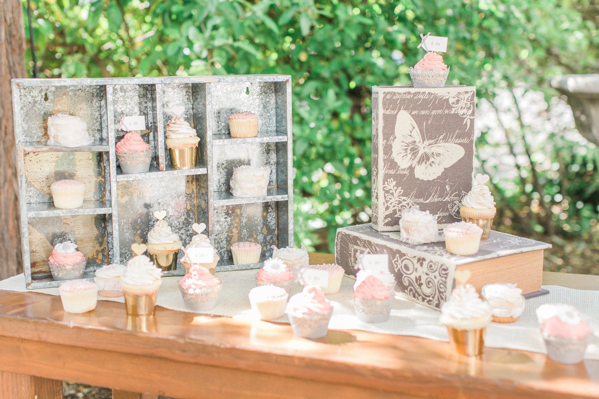 Bellina Bakery Wedding Cupcakes