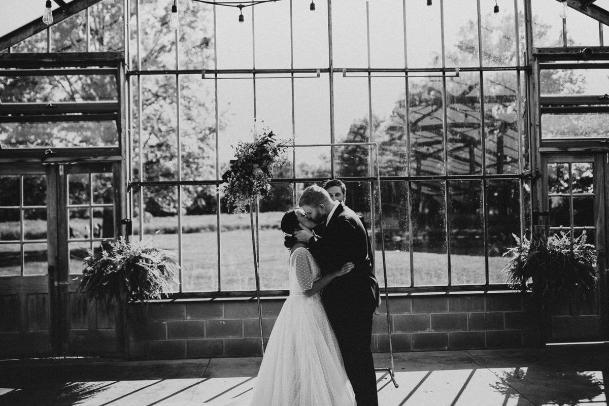greenhouse-wedding-photographer-this-old-soul-ohio