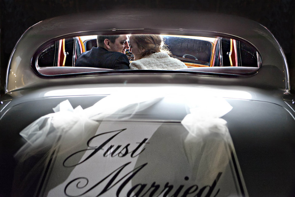 web_just_married_car
