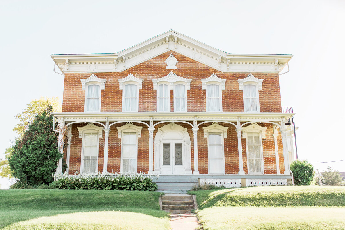 historic snowden house in waterloo iowa